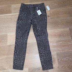 MRSP $169 Good American Skinny Jeans Leopard Sz 10
